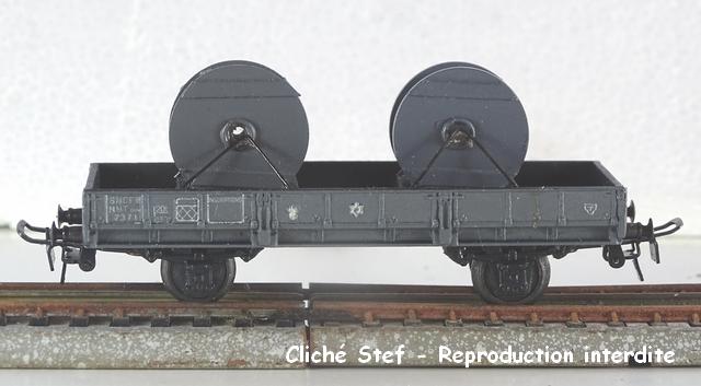 Wagons à 2 essieux zamak à essieux chargés VB-plat-essieux-zamak-gris-bobines-de-cable-DSC00145-R