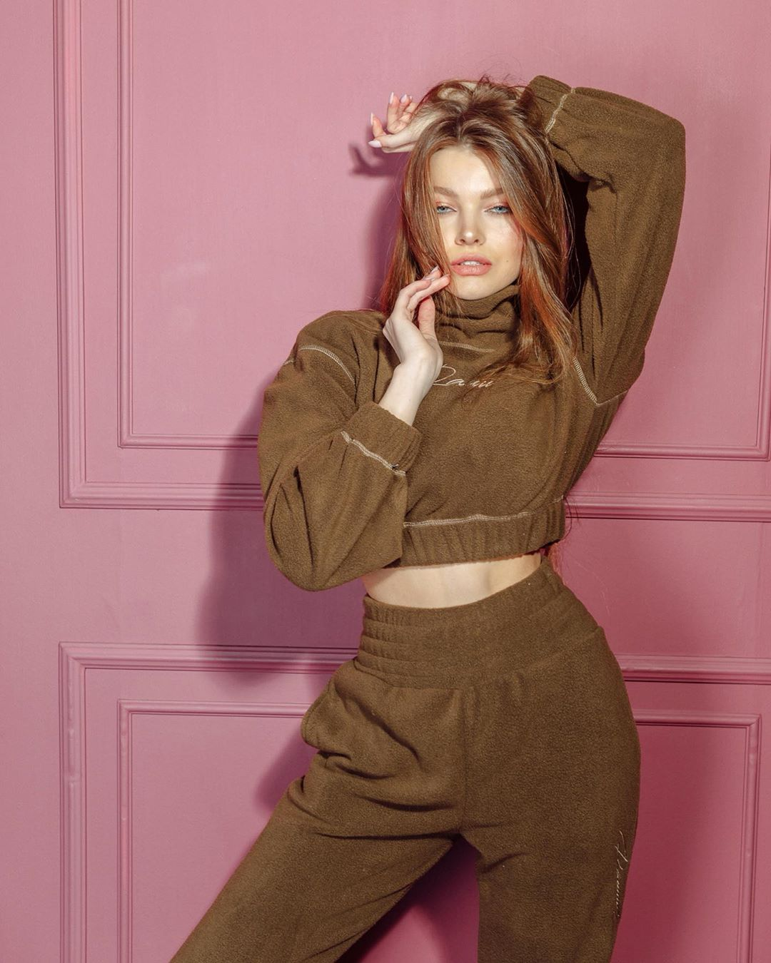 Veronika-Kysheleva-Wallpapers-Insta-Fit-Bio-7