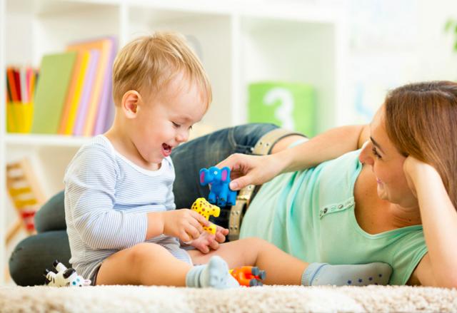 Как общаться с маленьким ребенком