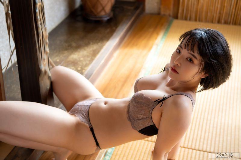 gra-tsubaki-s2-047