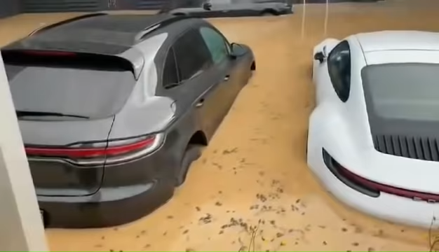 Brand-New-Porsches-Under-Water-In-German-Dealership-After-Disastrous-Rains-0-36-screenshot