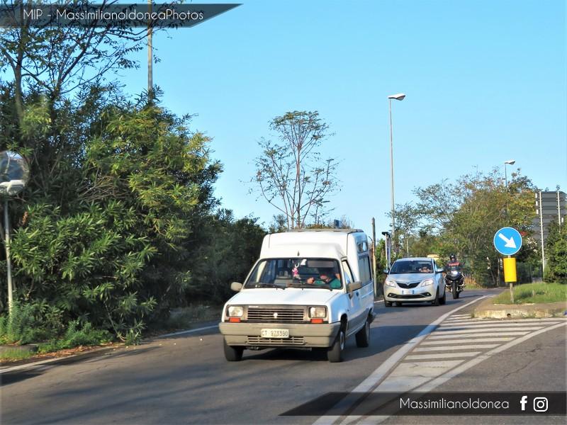 Veicoli commerciali e mezzi pesanti d'epoca o rari circolanti - Pagina 7 Renault-Express-1-1-48cv-91-CT973390