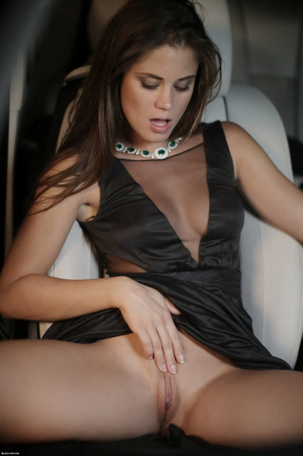 hotty-caprice-riding-marcello-in-his-sportscar-01