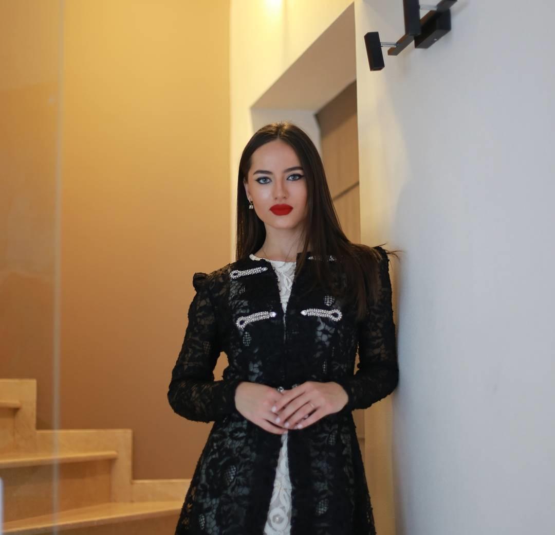 Victoria-Kocherova-Wallpapers-Insta-Fit-Bio-1