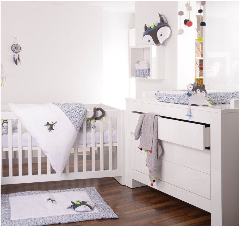 Umeblowany i przystosowany pokój dla dziecka z akcesoriami