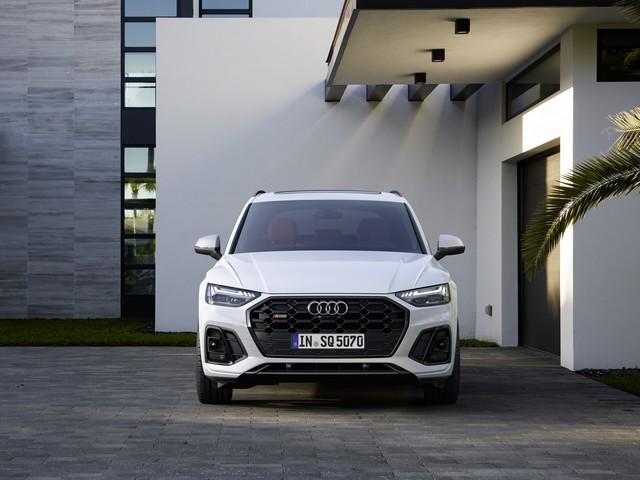 Sportivité, puissance et efficience : Audi présente la nouvelle génération de la SQ5 TDI A208366-medium