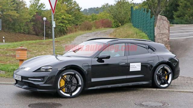 2020 - [Porsche] Taycan Sport Turismo - Page 2 9-C40443-B-73-B8-42-E3-8-B6-D-EFECE5858-A95