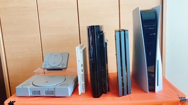 PS1~PS5 排列在一起 Image
