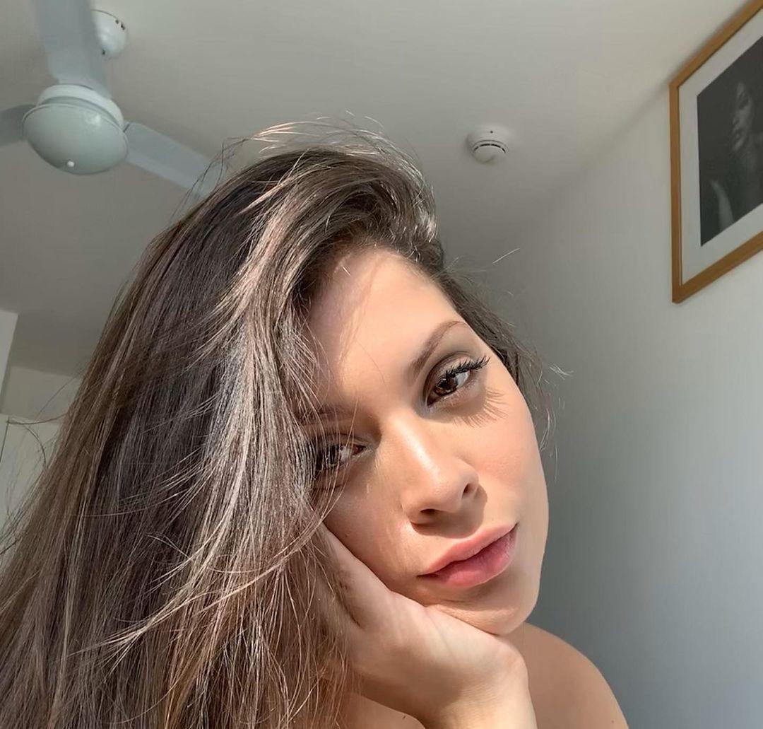 Natalia-Carvajal-Wallpapers-Insta-Fit-Bio-5