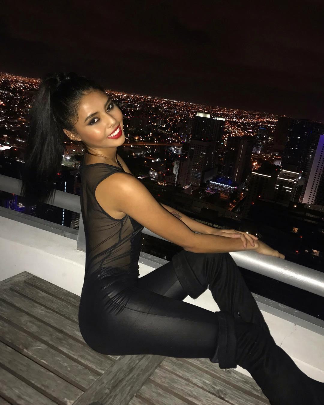 Nicole-Esparza-Wallpapers-Insta-Fit-Bio-8