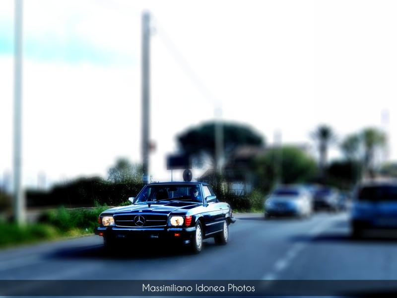 avvistamenti auto storiche - Pagina 3 Mercedes-R107-America-3