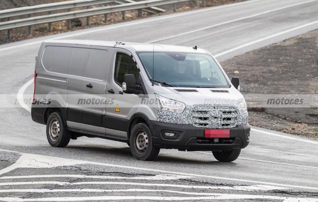 2022 - [Ford] Transit Custom 32307-D6-E-4-A95-40-E2-A7-B8-EC395-DDF064-D