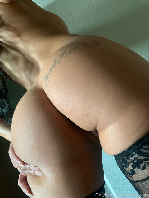 Baby-Girl-Glo-Only-Fans-2020-07-10-518391916-what-do-you-think-I-taste-like