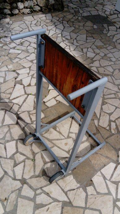 stalak-kolica-vanbrodski-motor-slika-119961387