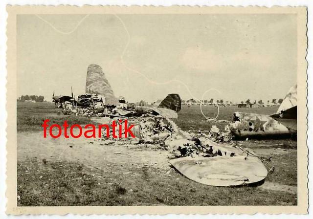Foto-Gebirgsj-ger-Rgt-99-Flugzeug-russischer-Bomber-mit