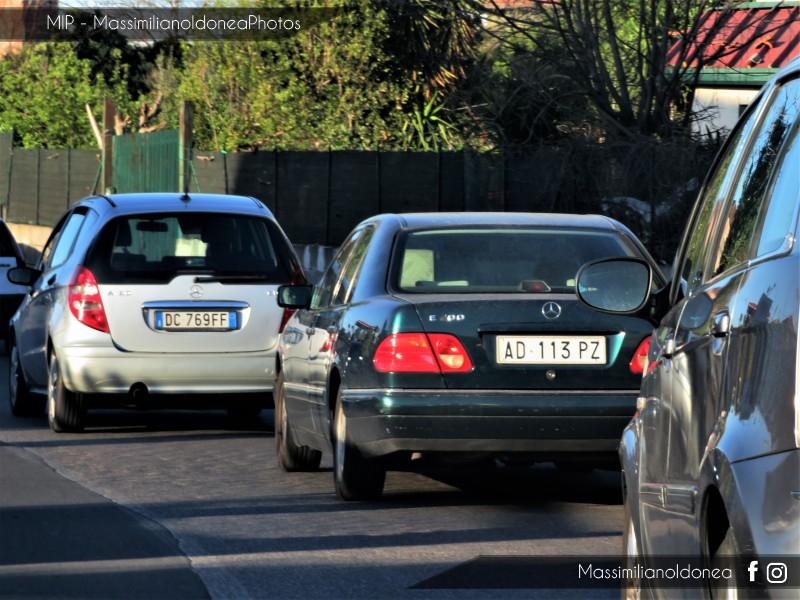 avvistamenti auto storiche - Pagina 15 Mercedes-W210-E-200-2-0-136cv-5-DICEMBRE-95-AD113-PZ-221-773-3-9-2018-1