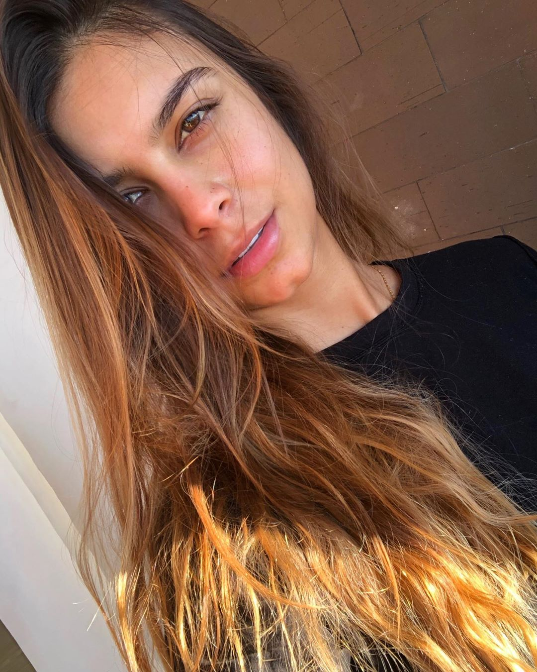 Daniela-Medina-Wallpapers-Insta-FIt-Bio-3
