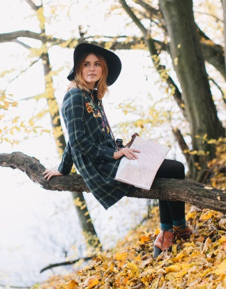 hippie-girl-with-map-old-camera-hat-walks-autumn-park-1429-4493-1