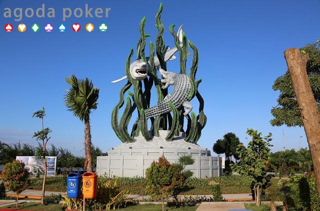 5 Patung dan Monumen Ikonik di Surabaya, Keren untuk Foto-Foto!