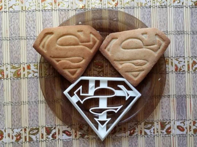 Superman Cookie Cutter - Cool Things to 3D Print