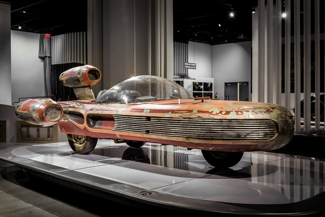 Star-Wars-Landspeeder-Petersen-Automotive-Museum