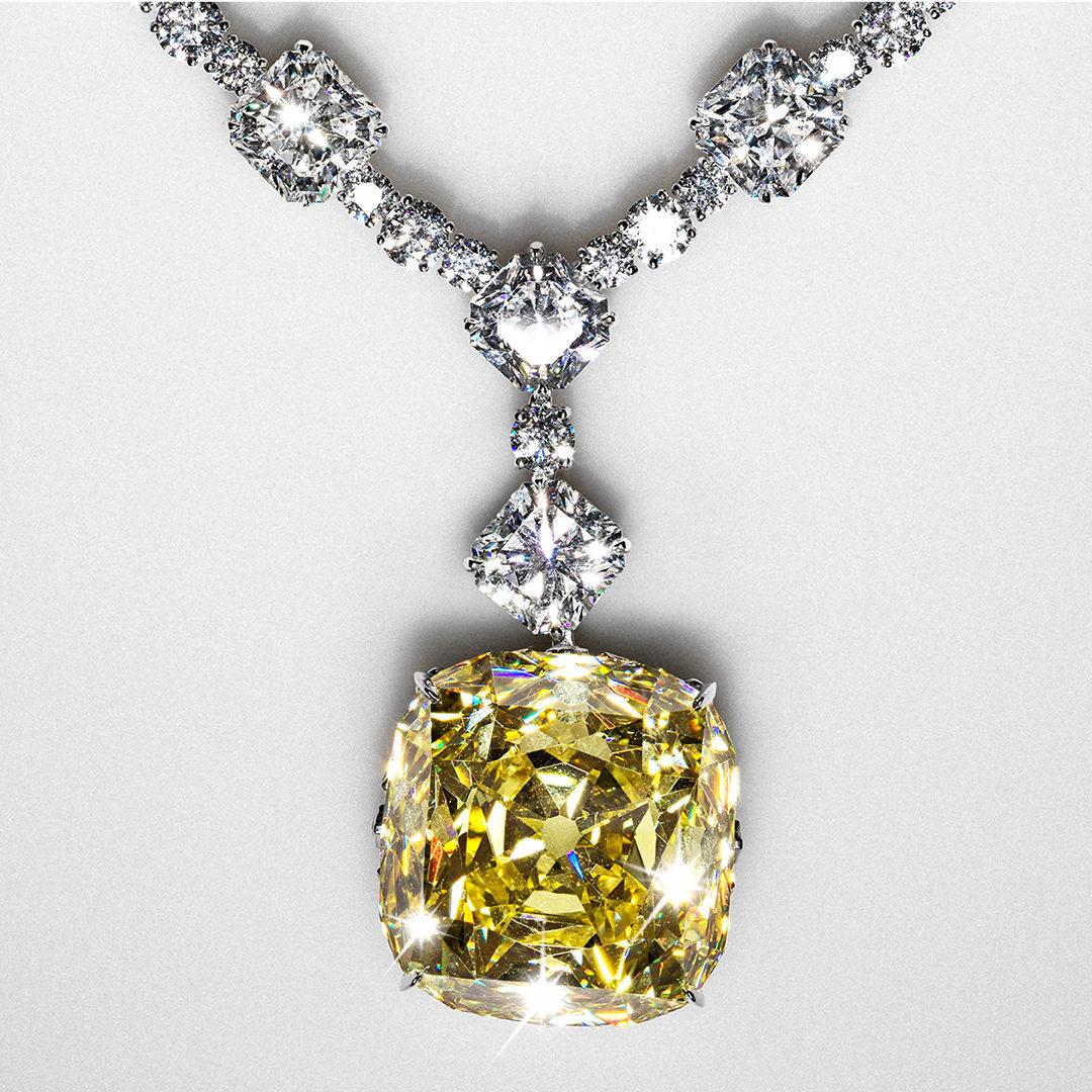 Beyoncé è la prima donna di colore a indossare il celebre diamante Tiffany