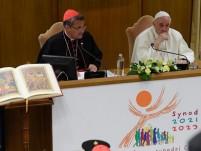 Đức Thánh cha chủ tọa buổi suy tư khởi đầu hành trình Công nghị đồng hành