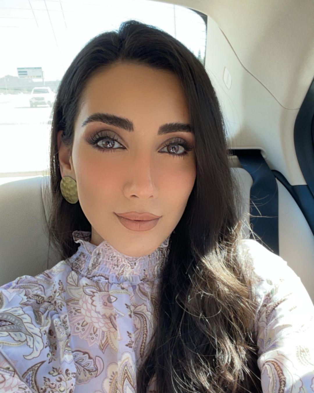 Sadaf-Beauty-Wallpapers-Insta-Fit-Bio-Sadaf-Taherian-Wallpapers-Insta-Fit-Bio-7