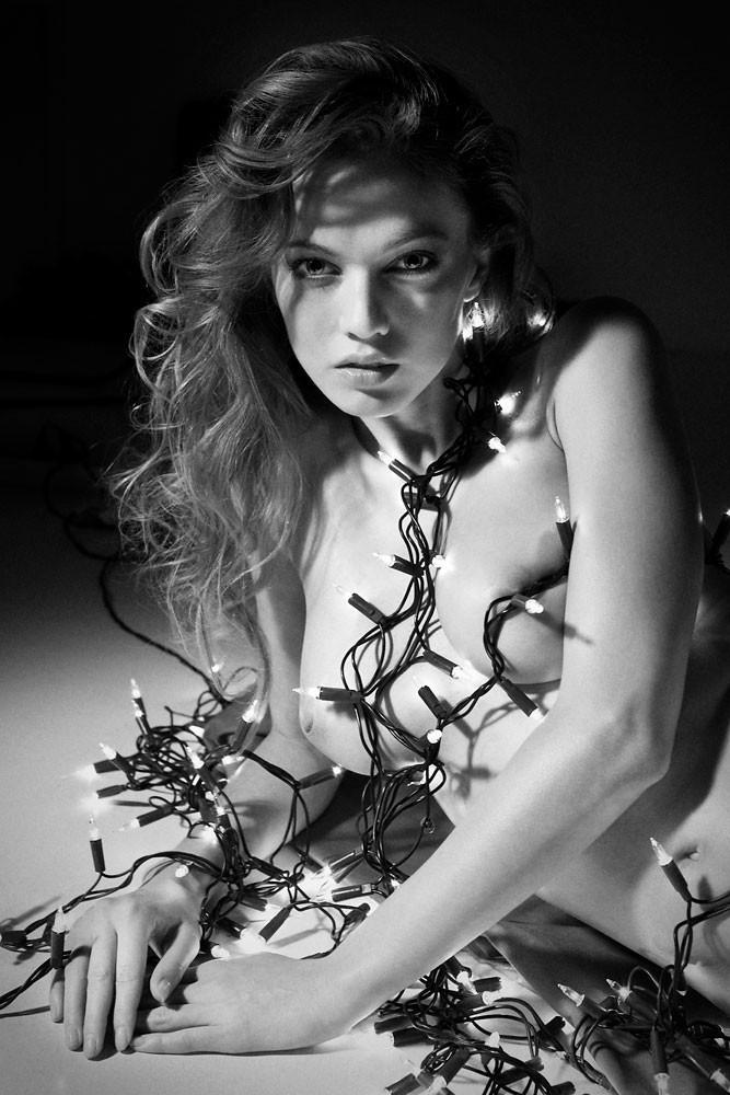Динамичная красота в эротичных фотографиях Саймона Бродзиака 27