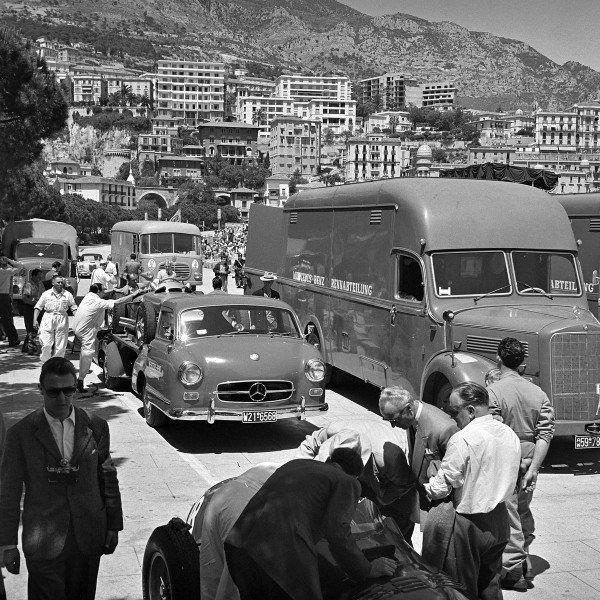 1950s Mercedes team.jpg