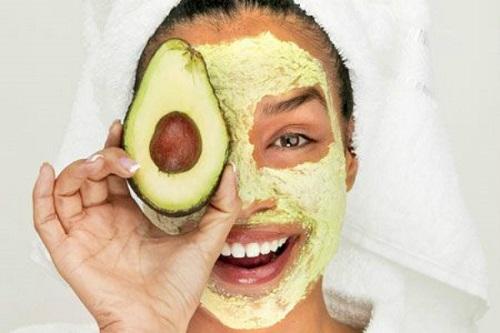 Cách làm mặt nạ bơ dưỡng trắng da tại nhà 26