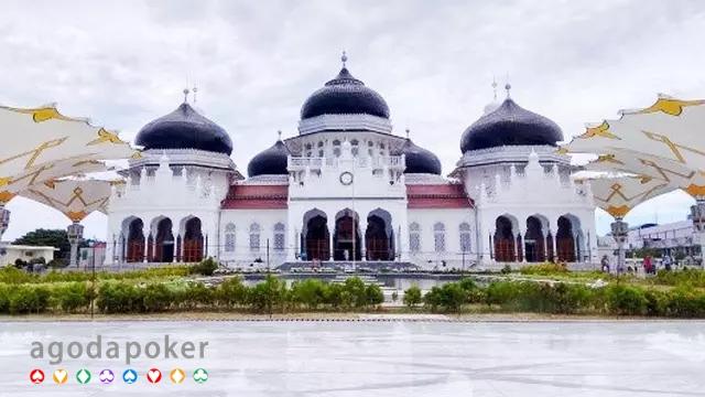 7 Tempat Wisata di Banda Aceh, Alam hingga Bangunan Bersejarah