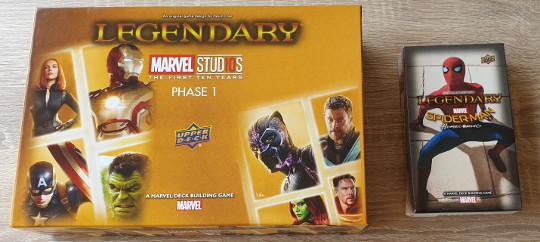 De doos van de MCU versie met de Spider-man Far From Home uitbreiding.