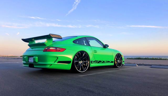 Dr-Knauf-Slammed-Altered-Porsche-997-GT3-RS-Green-Beach-USA-2021
