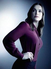 220px-Elizabeth-Henstridge-as-Jemma-Simmons
