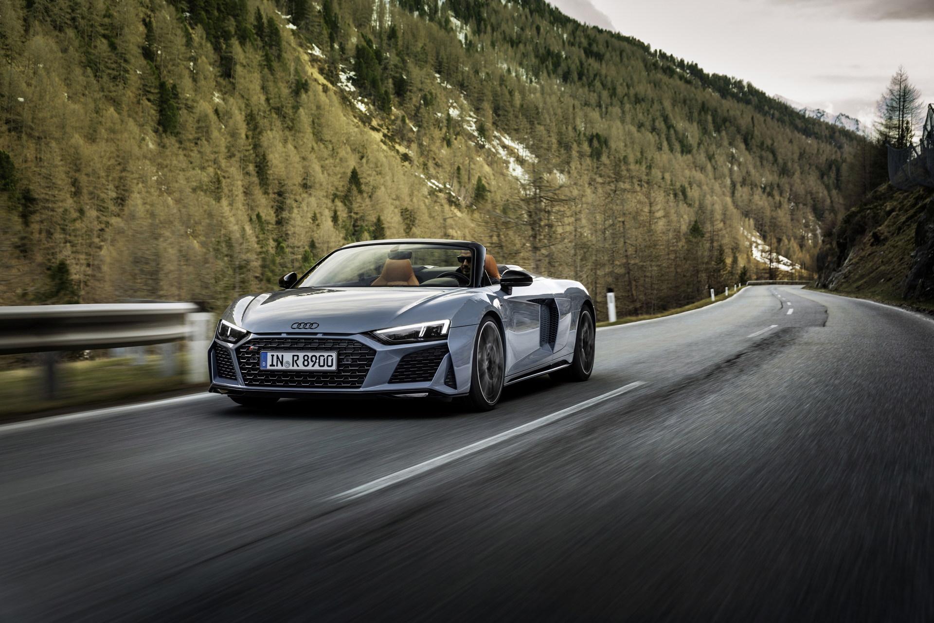 2022-Audi-R8-V10-Performance-RWD-1