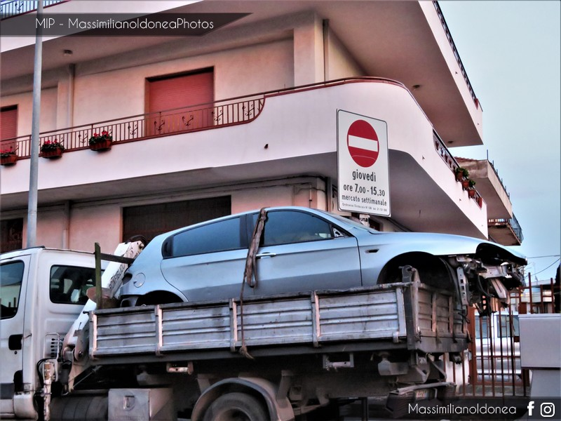 Auto Abbandonate - Pagina 10 Alfa-Romeo-147