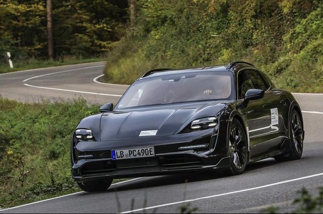 2020 - [Porsche] Taycan Sport Turismo - Page 3 65236213-1725-4031-ACBE-E72-DBCFD6761