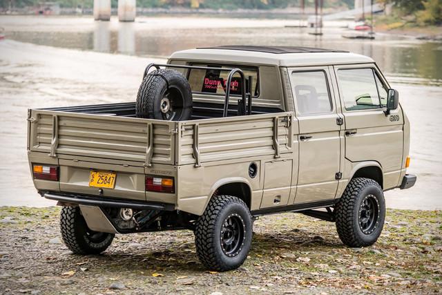 1989-Volkswagen-T3-Doka-Syncro-Exterior-2