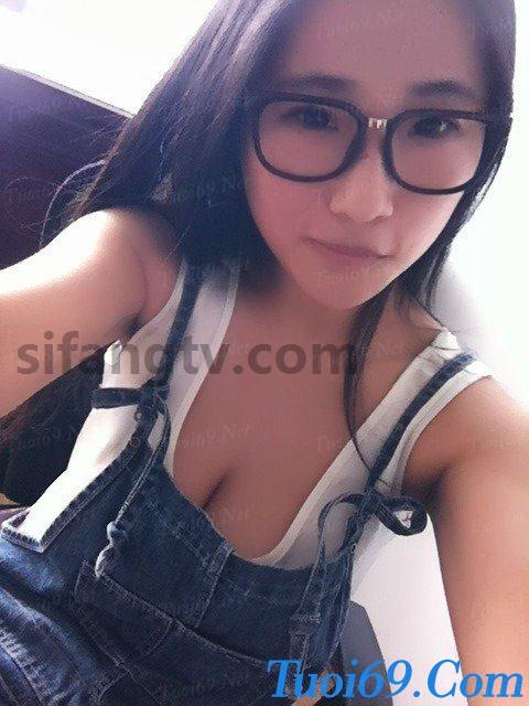 Wuhan-University-sister-Xiao-Weiwei-uniforms-seduced-114