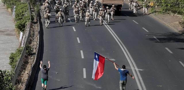 manifestantes-en-una-autopista-de-W4-Eo-Sw-Fb-1256x620-2