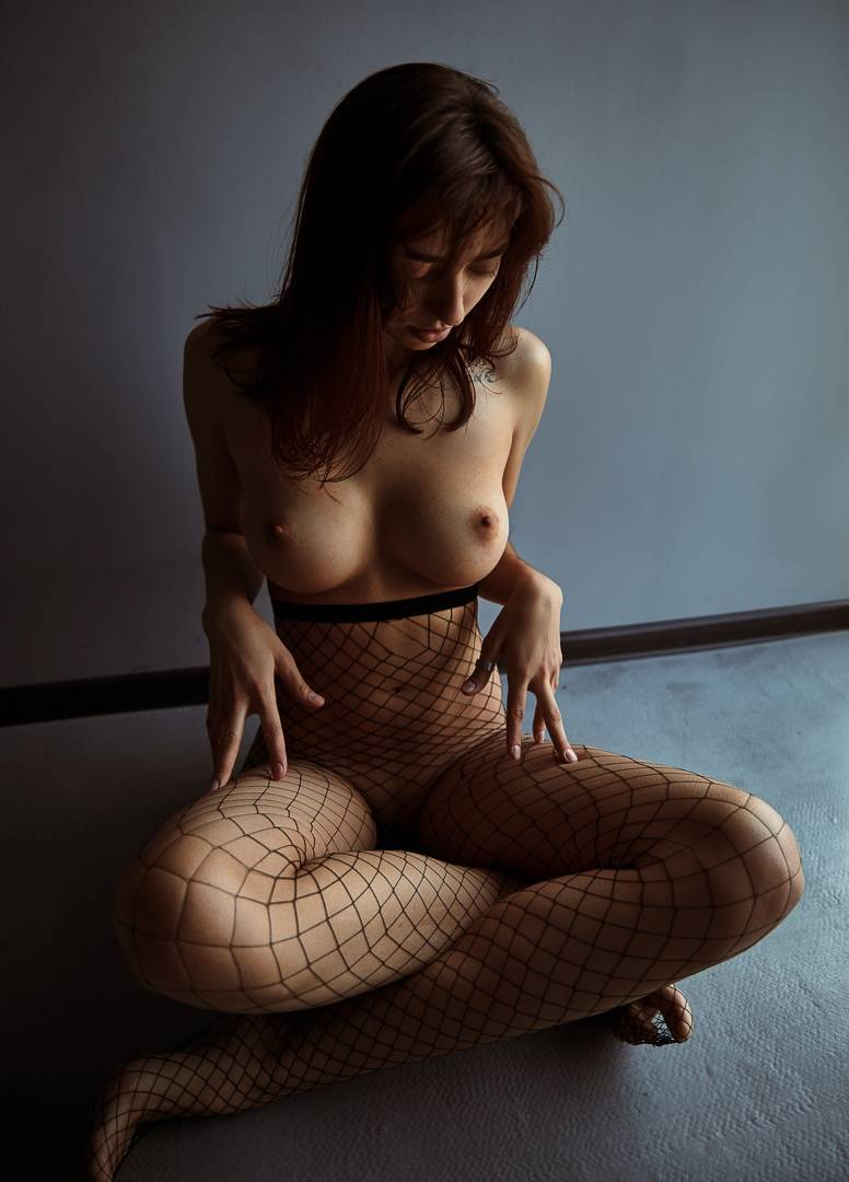 Fit-Naked-Girls-com-Irina-Lozovaya-nude-13