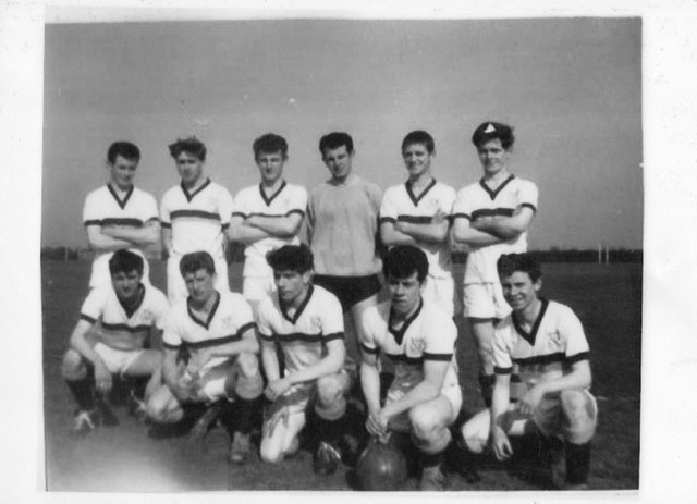 EVERTON-RED-TRIANGLE-Back-Row1-Peter-Shields-3-Ambros-Clark-4-Frank-Kelly-5-Tommy-Mercer-6-Billy-Jar