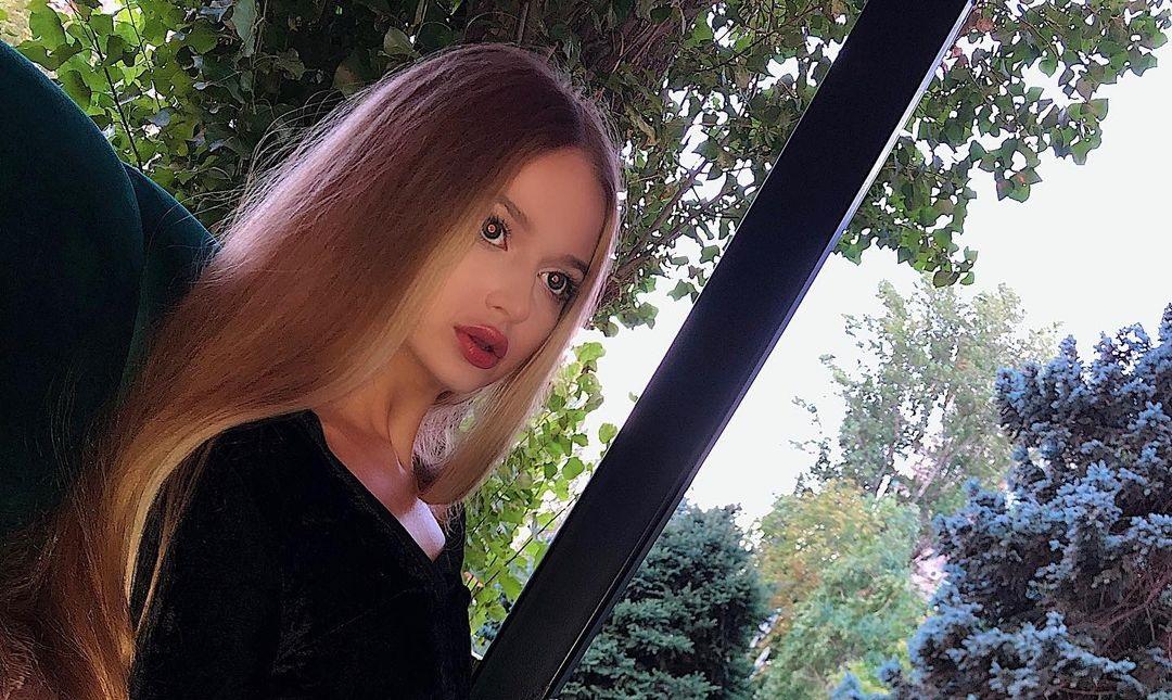 Angelina-Samokhina-Wallpapers-Insta-Fit-Bio-14