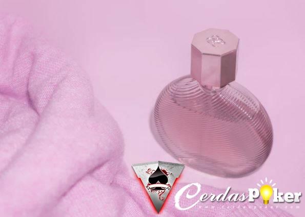 5 Parfum yang Cocok dengan Kepribadianmu Kamu yang mana ?