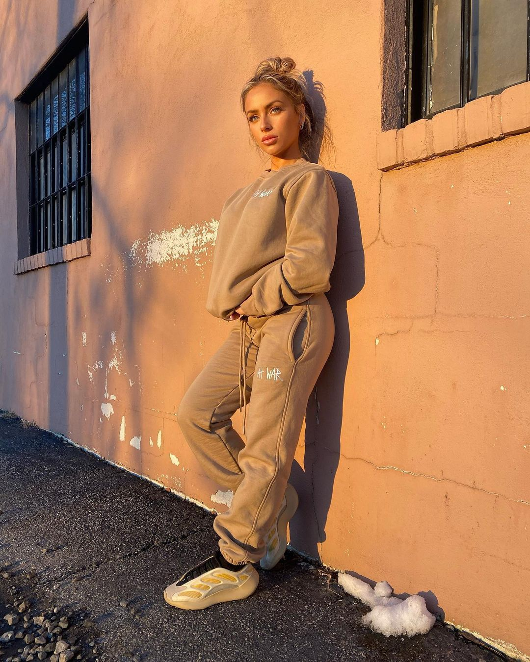 Stephanie-Weiss-Wallpapers-Insta-Fit-Bio-4
