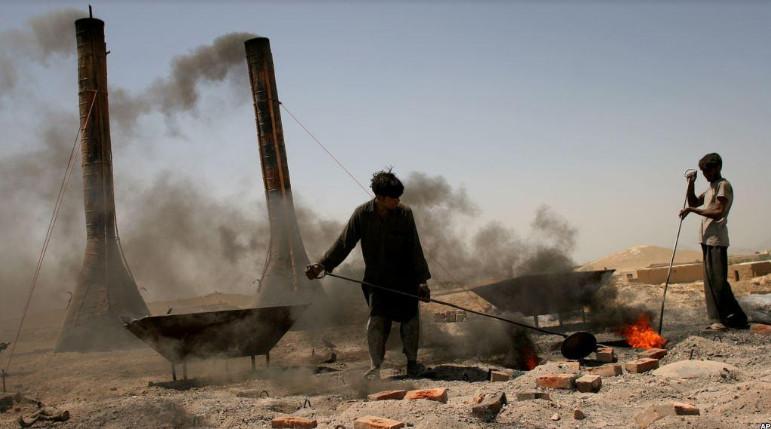 آلودگی هوا؛ چالش بزرگ در برابر زندگی افغانها