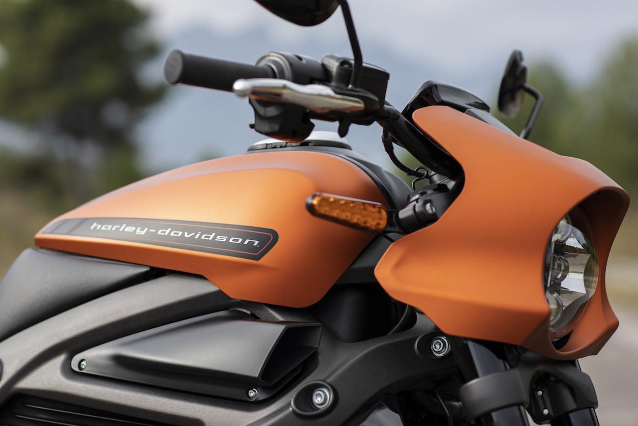 Live-Wire-Harley-Davidson-3