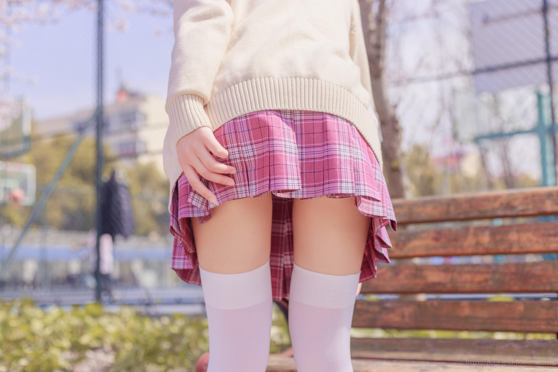 Tsubaki Album Vol 001 Pink Sailor suit & White knee socks 桜満開の季節 ピンク色に染めた学園 009