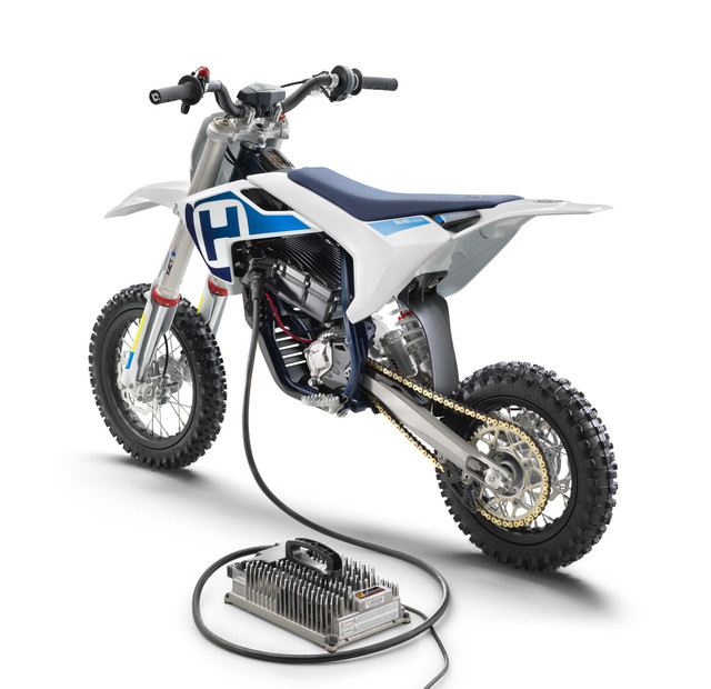 Husqvarna-EE-5-electric-dirt-bike-02.jpg